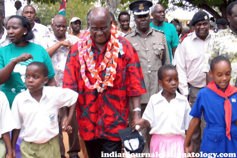 African nations บรรดาผู้นำทั่วแอฟริกาได้ร่วมไว้อาลัยแก่เคนเนธ คาอุนดา ประธานาธิบดีผู้ก่อตั้งแซมเบีย ซึ่งถึงแก่กรรมเมื่อวันพฤหัสบดี